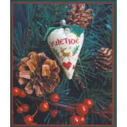 HOLLY BERRY SILK BERRY COLLECTION Erica Michaels Needleart