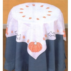 550 675 halloween table topper