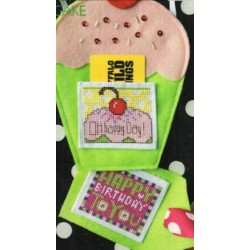 POCKET CARD BIRTHDAY CUPCAKE Amy Bruecken Designs