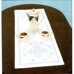 AMERICANA TABLE RUNNER AND SCARF 560-366 Jack Dempsey Needle Art